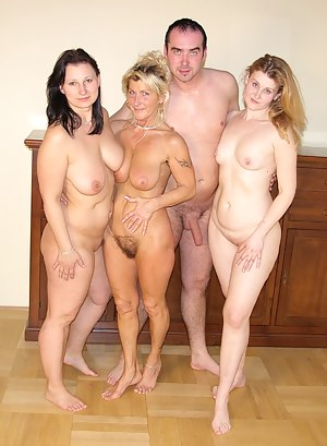 Free Reverse Gangbang Porn Pictures